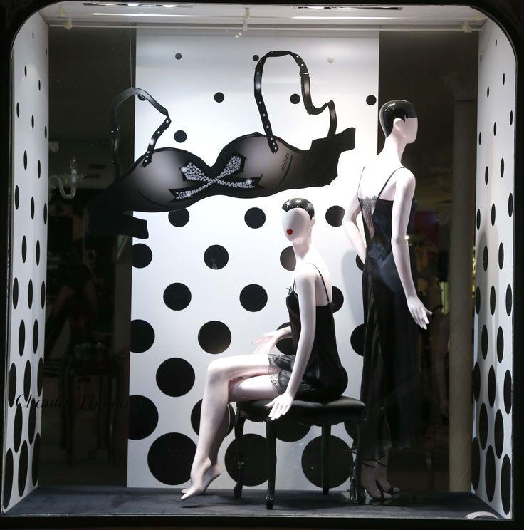 36 best images about vitrines boutique chantal thomass on - Salon lingerie paris ...