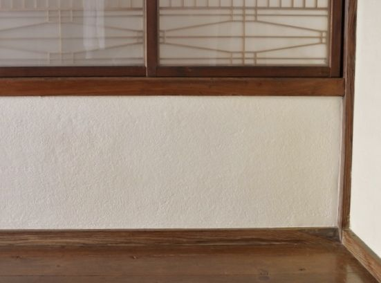 廊下-漆喰壁