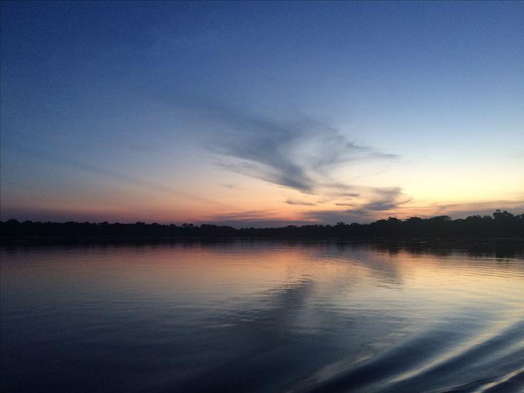 Lago Tarapoto. Avistamiento de delfines rosados. #Colombia