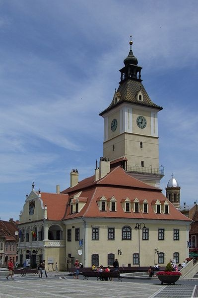 File:Braşov (Kronstadt, Brassó) - city hall.JPG -- Romania
