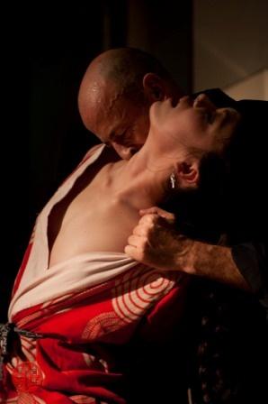 Kinbaku show by Esinem & Ika Noire at London Festival of the Art of Japanese Rope Bondage www.japaneseropebondage.co.uk