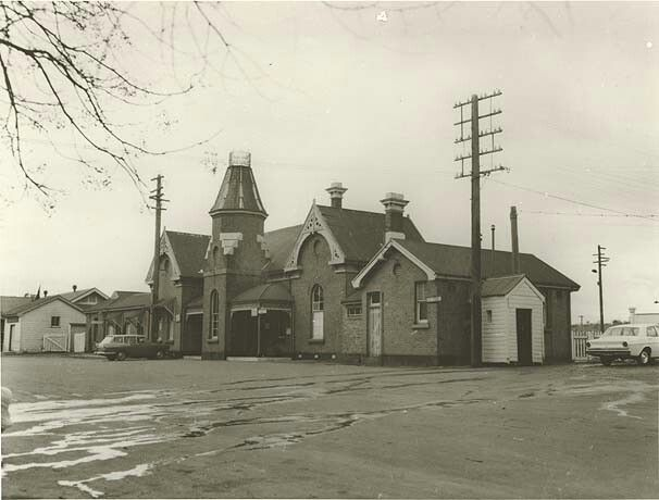 Cootamundra Railway Station (year unknown).Cootamundra is a town in the south west slopes region of New South Wales.A♥W