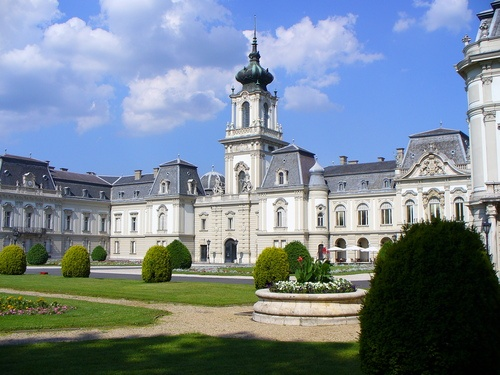A keszthelyi Festetics-kastély (Photo by Bubori Sandor)