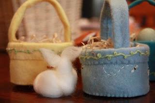 Little Easter Baskets - a Tutorial