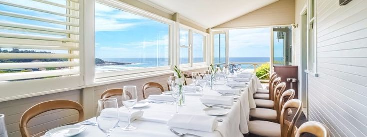 Breath taking restaurant in charmful Sydney /ocean, restaurant in sydney, australia / #australia #food #restaurant / For more : http://www.designcontract.eu/hospitality/unforgettable-moments-luxurious-restaurants-sydney/