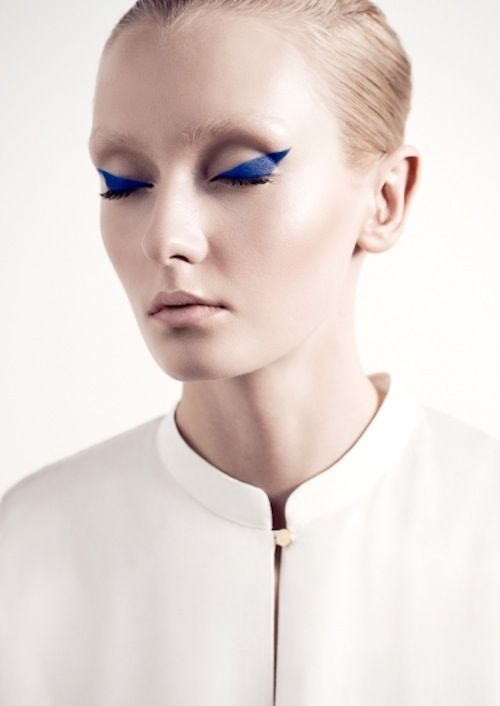 Try the blue look today- book now at www.lookbooker.com.sg!