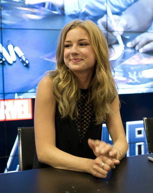 SDCC 2013: Captain America Winter Soldier Signing Emily VanCamp Emily VanCamp | Flickr - Photo Sharing!