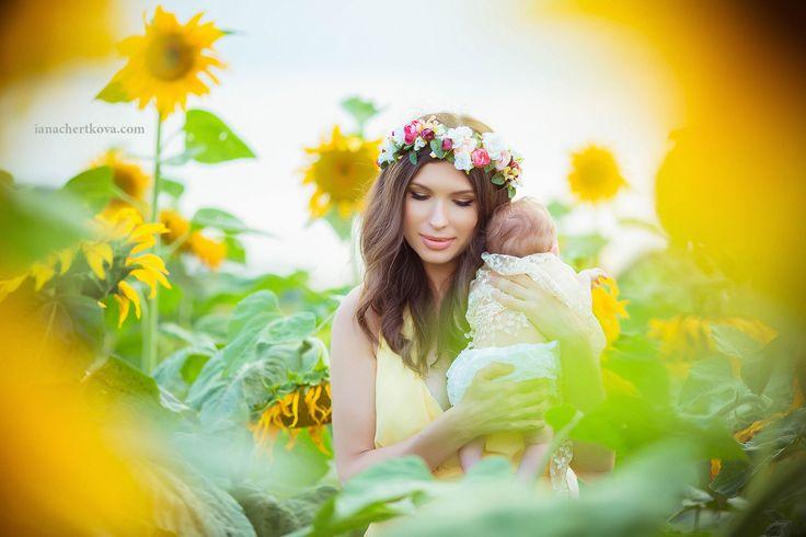 Фотосессия мама и дочь / фотосессия новорожденных на природе / фотосессия в подсолнухах / идеи для фотосессии летом мама и дочь / портрет мамы / фотограф варшава / фотосессия на закате