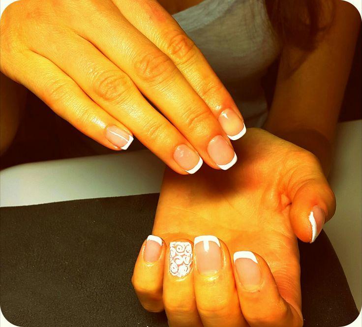 Nails dekoration nails art naglar dekoration nails ideas shellac glitter white french Manikyr med shellac