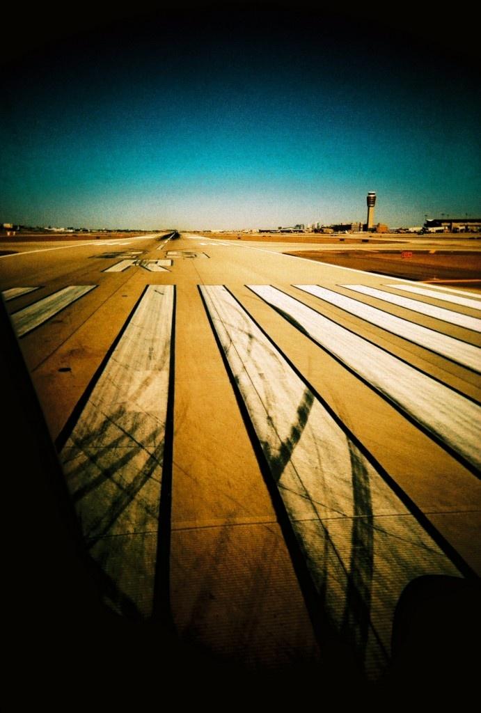 Runway at Sky Harbor Airport 35