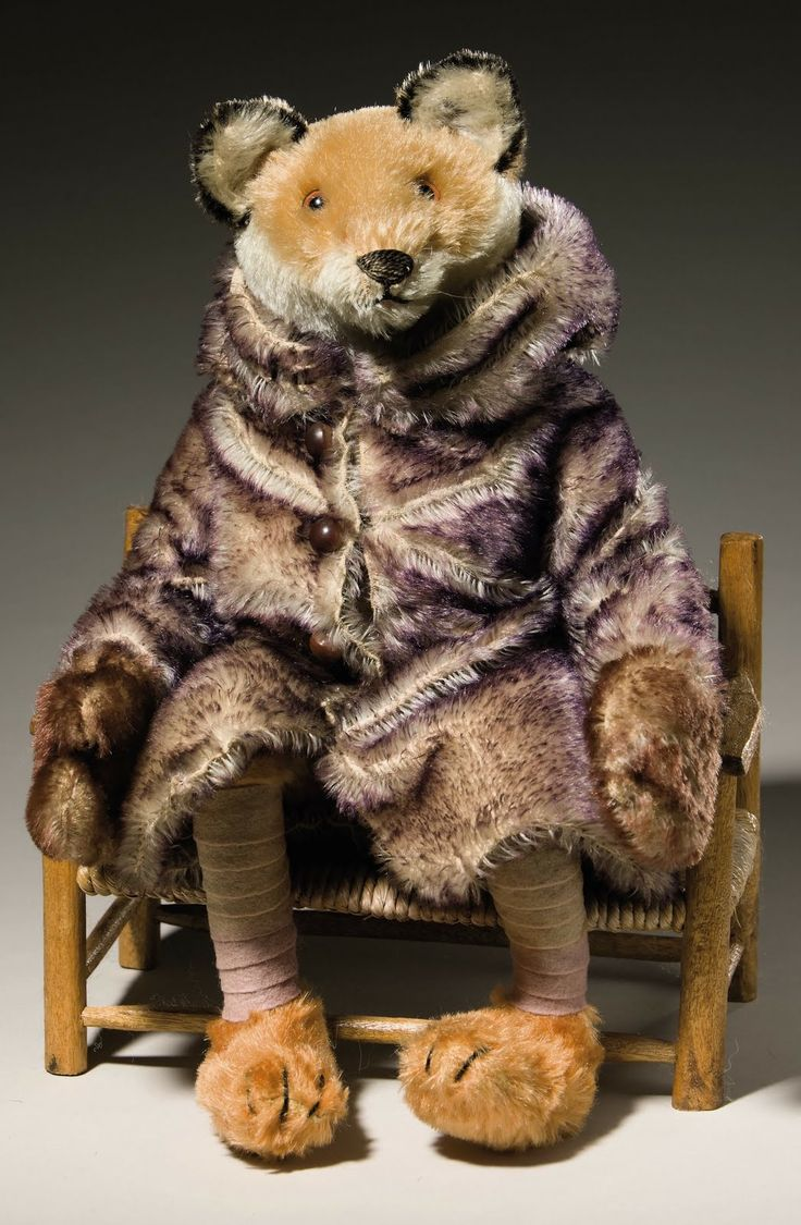 Steiff Fox in a Warm Purple Driving Robe and Gloves from the1920`s.