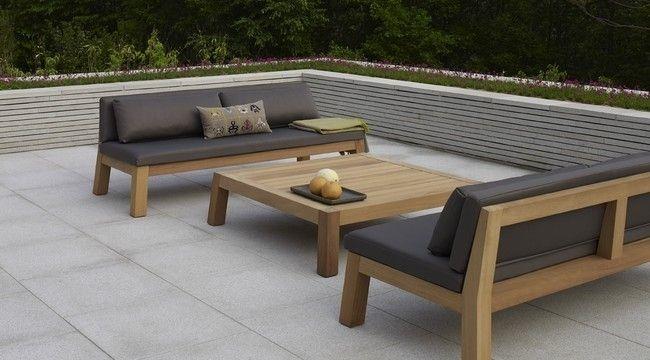 De Niek high couch behoort tot de exclusieve meubelcollectie van Piet Boon. Zijn liefde voor natuurlijke, eerlijke materialen en een sobere, stoere vormgeving vormen de basis van zijn meubelcollectie. Voorwaarden voor zijn collectie zijn: tijdloos, duurzaam en een vormgeving gericht op comfort en gemak. De Niek high couch is gemaakt van massief Iroko hout en combineert prachtig met de bijpassende Anne tafels. De outdoor-collectie van Piet Boon is volledig weersbestendig met een ...