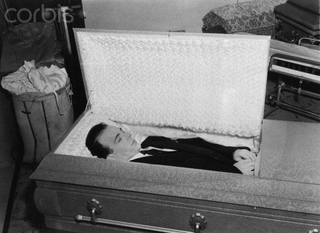 Body Of Lee Harvey Oswald Celebrity Viewing Pinterest
