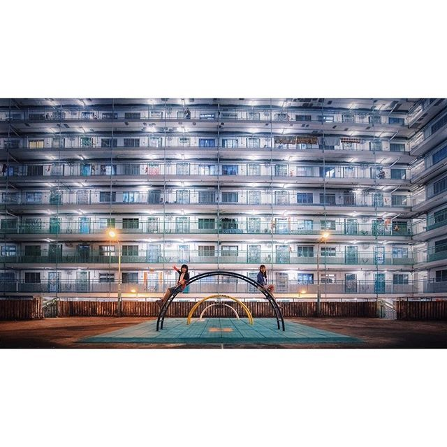 Instagram【kokit1202】さんの写真をピンしています。 《這地球 若果有樂園 會像這般嗎 . Nam Shan Estate, Hong Kong. 2016/10/10 . #hongkong #discoverhongkong #explorehongkong #allabouthongkong #uhkphoto #utravelhk #pbhk #vfhk #captchina #nightscene #architecturephotography #instagood #instalike #ig_mood #milkfoto #canon #canonphotography #canonfullframer #canon5dmarkiii #architecture #nationalgeographic #planetdiscovery #夜景 #南山邨 #香港》