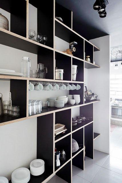 Estante para guardar (ou expor) livros e/ou objetos de decoração. Estante para decorar simplesmente. Estante para dividir ambientes. Estante para organizar a bagunça. Estante tem mil utilidades! Na sala, no quarto, no office, na loja, em todo o canto!