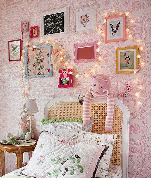 Small Cozy Bedroom For Girls Bewitching Pink Wallpaper In: 25+ Best Ideas About Bedroom Fairy Lights On Pinterest