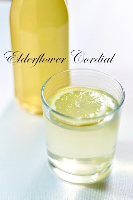 Home-made #Elderflower Cordial syrup. Must go pick some more.. //Saft af hyldeblomst
