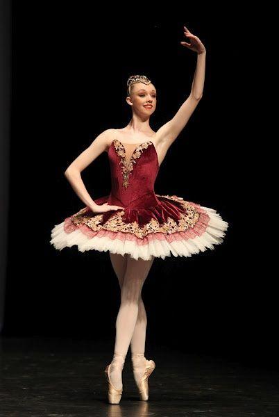 Olivia Bell. The Australian ballet ✯ Ballet beautie, sur les pointes ! ✯