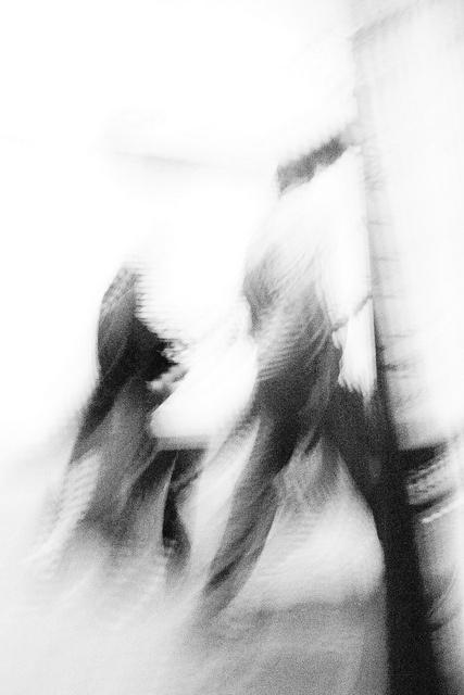 """""""La gente pasa y va y no me ve jamás. A casa vuelvo yo cansada de vivir. Te beso, te abrazo, en cambio yo siento Que es esto, es eso, es solo un pretexto."""" MILESph  Artista: Milton Figueredo Miles"""
