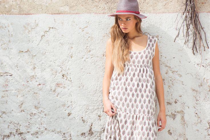 Amalfi Hat Hemp, Amarena. Janiss Dress Santa Fe Print, Natural.