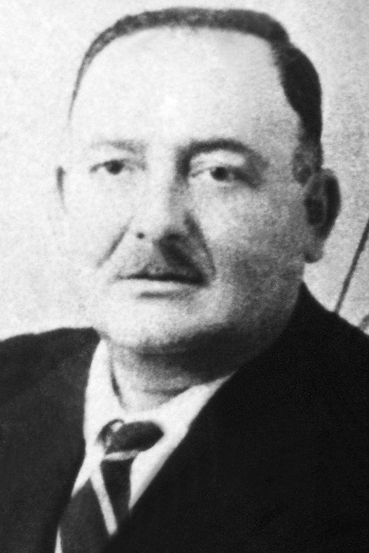 Michele Navarra  (January 5, 1905 – murdered August 2, 1958) Capo de la famille de Corleone (1946-1958). Capo mandamento Corleone 1948/9-58.