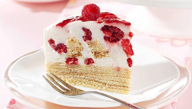 Ob Geburtstag oder Kaffeeklatsch: Diese Prosecco-Himbeer-Torte kommt bei der besten Freundin, Schwester oder Mutter garantiert an!