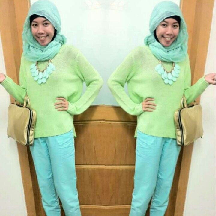 I love this knitted sweater by Forever21, never had any green top before.  I guess baby green and mint suit me.