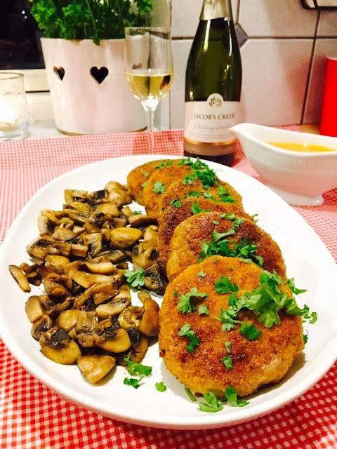 Saras madunivers: Pojarsky koteletter med paprikasovs og champignon....
