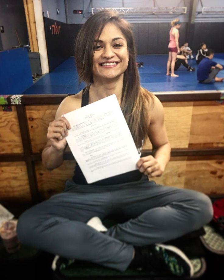 Zawodniczka Team Alpha Male Cynthia Calvillo podpisała kontrakt z UFC  |  FIGHT24.PL - MMA i K-1, UFC