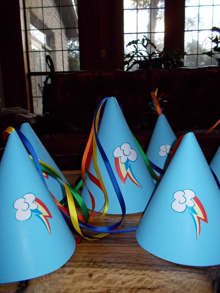 Rainbow Dash party hats