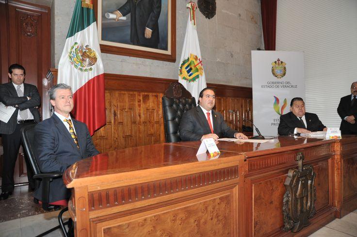 El Gobernador comentó que su preocupación fundamental es responder a los capitalinos con acciones concretas y directas.