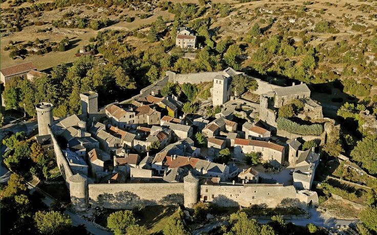 La Couvertoirade sur le Larzac, Aveyron © Eric Teissèdre