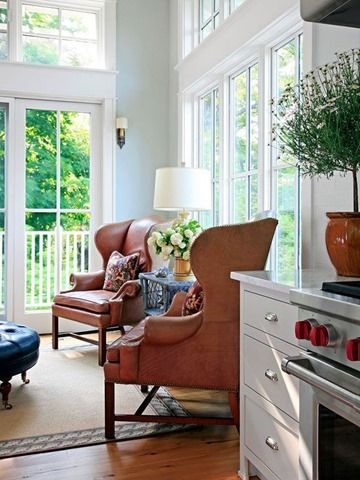 keeping room with leather chairs