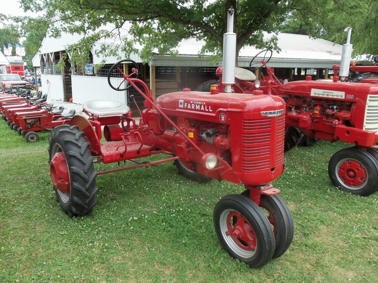 422 best farmall and ih stuff images on pinterest - Farmall tractor wallpaper border ...