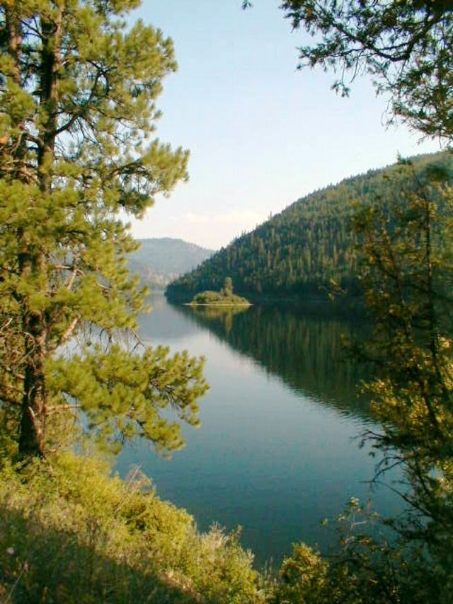 5 of the best Montana kayaking spots that are off the beaten path: Salmon Lake State Park