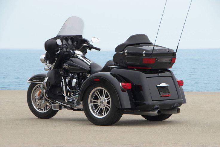 harley trikes | Harley Davidson Tri Glide Trike Static - Picture of the 2009 Harley ...