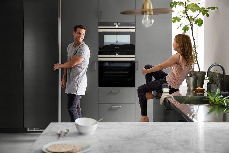 Köksinspiration - Grått kök i modern tappning med köksluckan Bistro peppargrå. | Ballingslöv