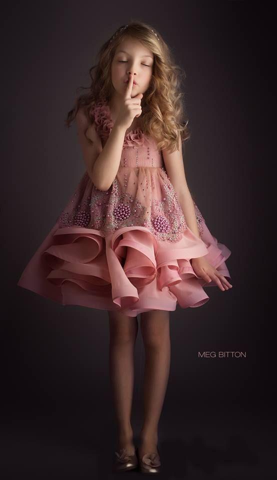 Mejores 48 imágenes de vestidos meninas en Pinterest  9fb1980d6959