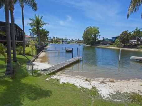 134 Rio Vista Boulevard, Broadbeach Waters oo $980,000