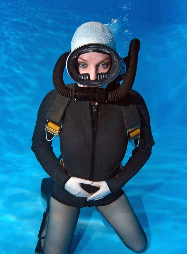 aquawoman004.jpg (JPEG-Grafik, 638 × 866 Pixel)