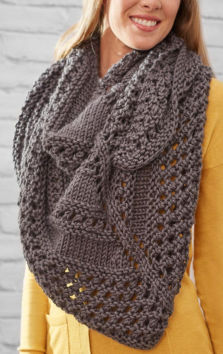 Free Easy Quick Textured Triangle Shawl - This oversized shawl is a quick knit in bulky yarn. Rated easy by Ravelrers and by Red Heart. Designed by Diane Moyer