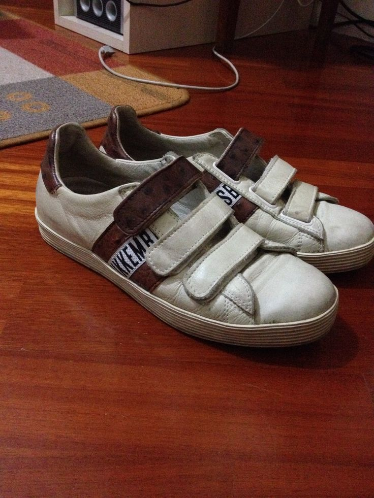 Bikkembergs. Sneakers di pelle marroni. Comode, estive. Particolari. Comprate 2 anni fa.