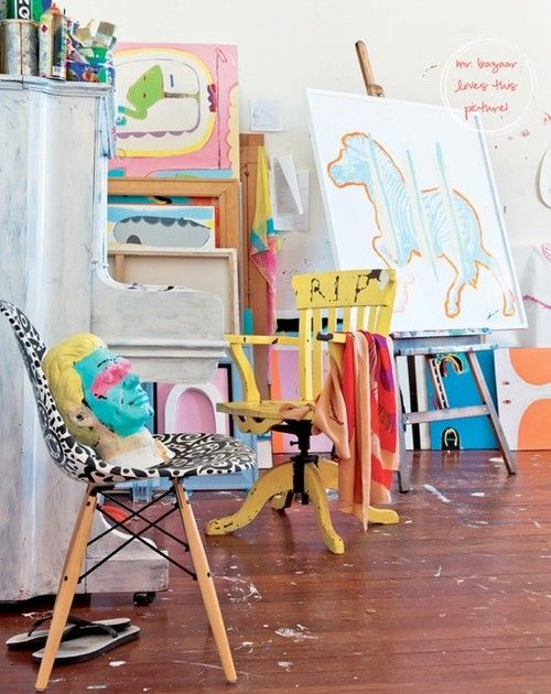 andwhatalicesaw:    (via Home is where the Heart is / Colourful Home of Sydney Artist)