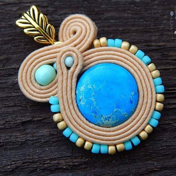 Lazuli pendant #sutasz #soutache #pendant #jewelry #bijoux #handmade #fashiongram #fashion #madeinpoland