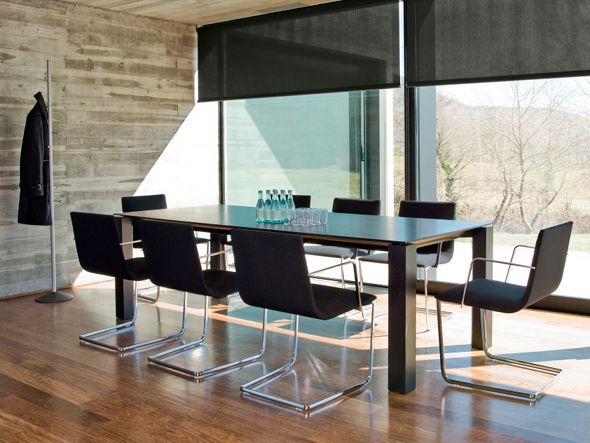 Andreu World Lineal Corporate Arm Chair