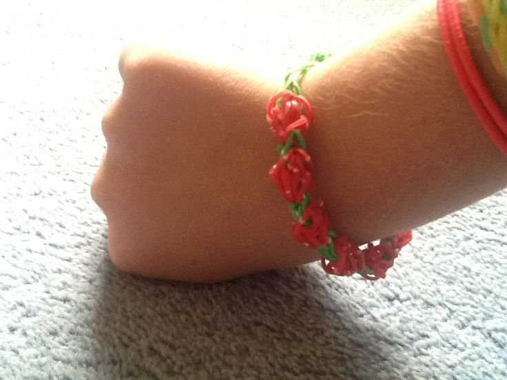 I made this. It is called a tulip bracelet but I think it's more of a rose or a rose bud or strawberries