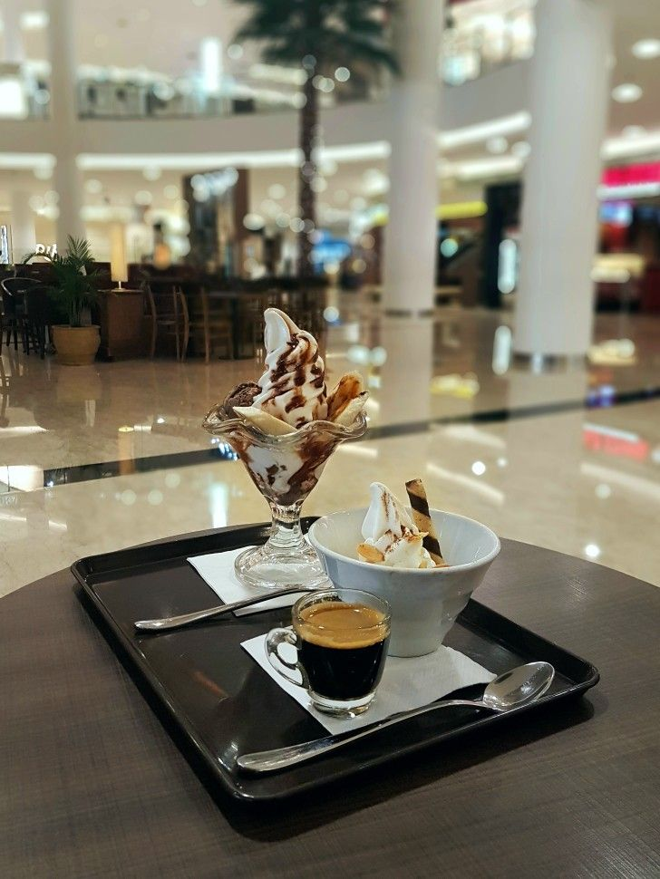 """Affogato & Choco Banana Split"", St. Marc Cafe, Jakarta"