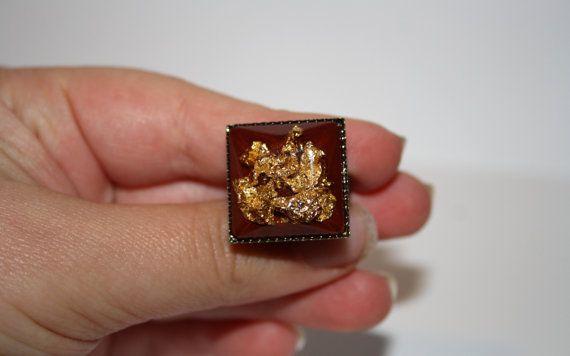 Anello in resina. Anello foglia d'oro. Anello di IntreccidiFili