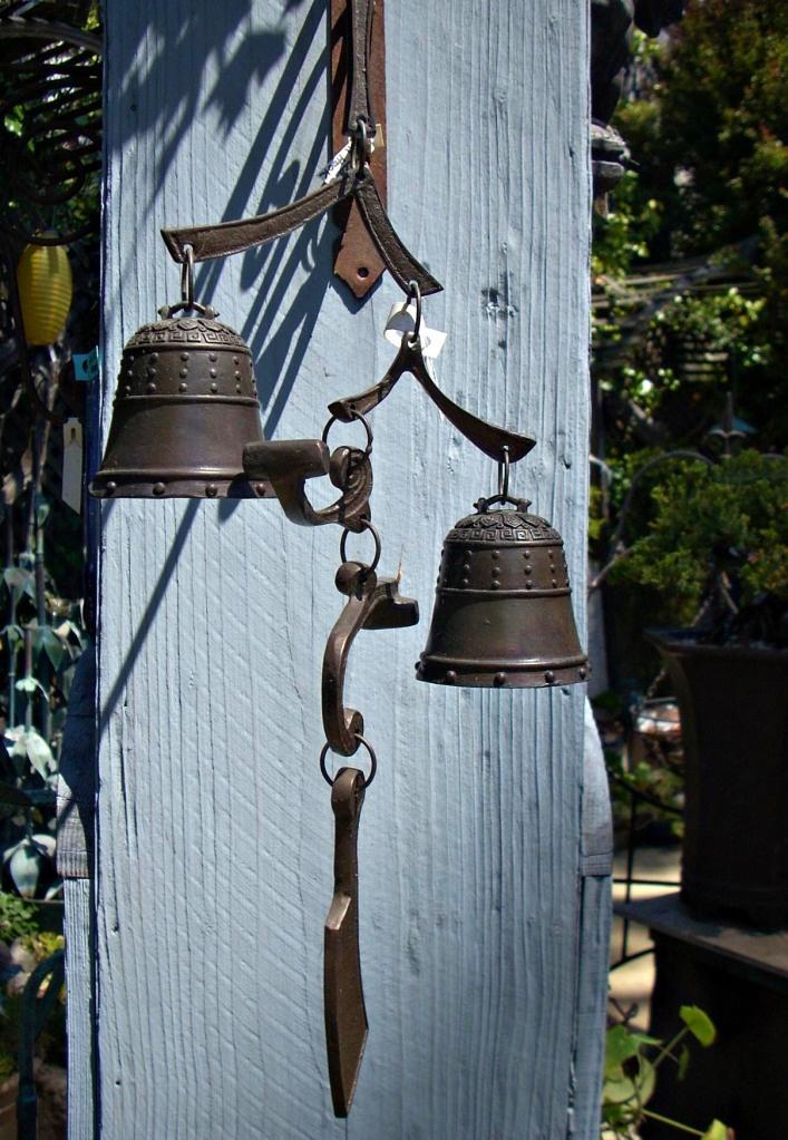 Garden bells & 116 best Bells Collectibles images on Pinterest | Leu0027veon bell ...