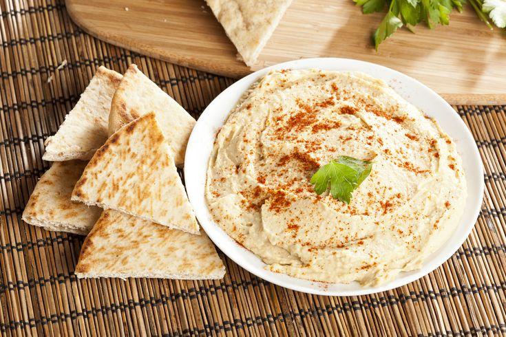 croustille de pita avec hummus et légumes